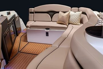 lavish-cockpit-lg